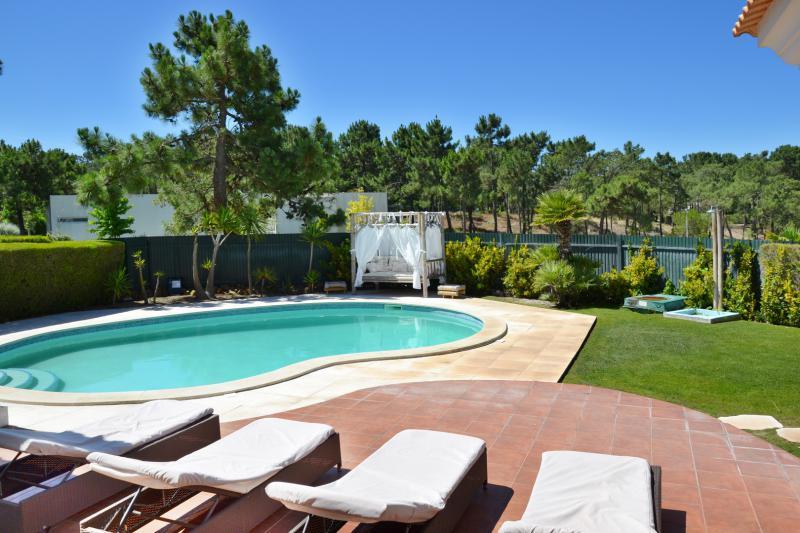 Maison a louer lisbonne plage location villa lisbonne for Location maison piscine lisbonne