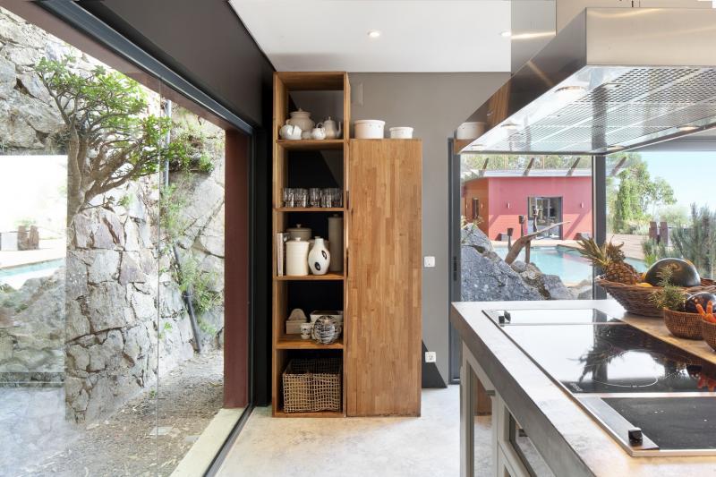 portugal lisbonne cascais sabina location maison charme onoliving. Black Bedroom Furniture Sets. Home Design Ideas