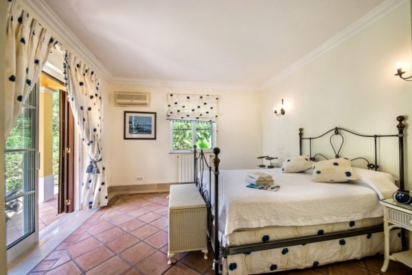 Portugal, Algarve, Quinta do Lago, Location Maison Piscine - Onoliving