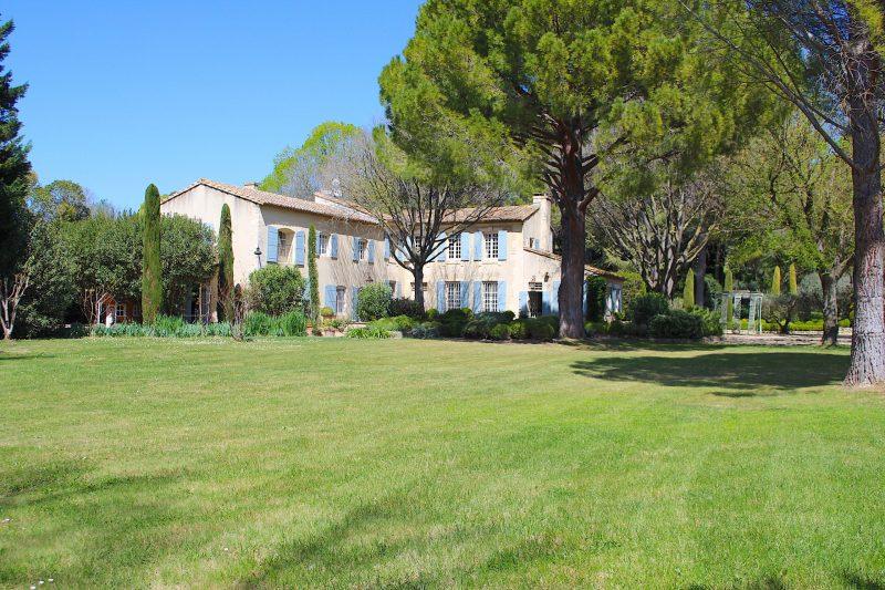 Location Maison de Vacances-Onoliving-Provence-Boulbon-France